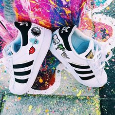 perfect weekend DIY and so easy to do! custom adidas and photo by @elanabb