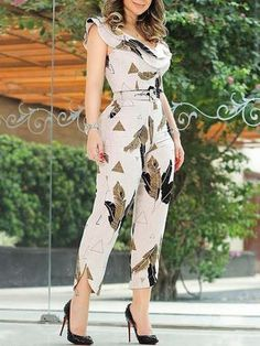 Shop Leaf Print Layered Ruffle Split Leg Jumpsuit – Discover sexy women fashion at IVRose Oversized Stretchy Off Shoulder Loose Jumpsuit Estampa foliar Layer - February 09 2019 at Open Back Belted Wide Leg Denim Jumpsuit Contrast Stripes Plunge Pocket K Jumpsuit Outfit, Denim Jumpsuit, Printed Jumpsuit, Black Jumpsuit, Bodycon Jumpsuit, Short Jumpsuit, Petite Jumpsuit, Romper Pants, Floral Jumpsuit