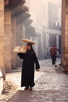 ::::    PINTEREST.COM christiancross    :::: The very sweet smell of that bread equals comfort. Cairo, Egypt
