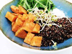 Sommer in der Schale - glutenfreie Quinoa Bowls Korn, Seaweed Salad, Gluten Free Recipes, Quinoa, Snacks, Ethnic Recipes, Glutenfree, Summer Recipes, Appetizers