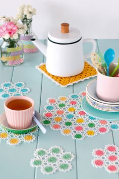 Crochet flowers pattern. Neon and lace crochet coasters and placemats in Mollie Makes 51