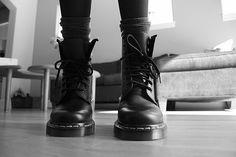 socks, shoelaces