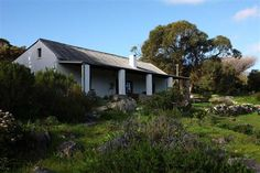 Cape Point Cottages, Scarborough accommodation near Cape Peninsula & Surrounds, Western Cape. Now, here is one getaway that smacks of classic Cape - two traditional cottages built by early farmers at Cape Point over a century ago. Farm Cottage, Cottage Exterior, Holiday Places, Private Property, Romantic Getaways, Holiday Travel, Cape Town, Weekend Getaways, Cottages