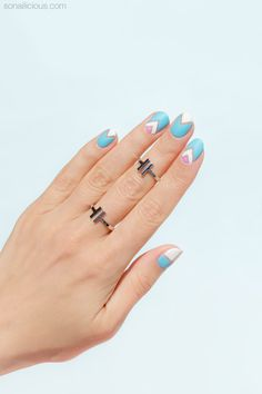 Negative space nail art for short nails. HOW-TO: http://sonailicious.com/pastel-negative-space-nail-art-tutorial/