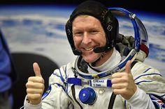 Tim Peake, astronauta de la Agencia Espacial Europea habló recientemente en una sala llena de es...