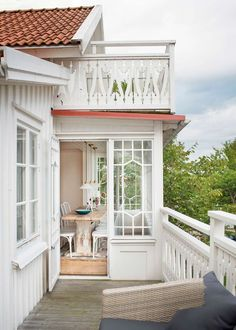 House With Porch, My House, Small Sunroom, Highland Homes, House Extensions, Cottage Living, Scandinavian Home, Architecture, Future House