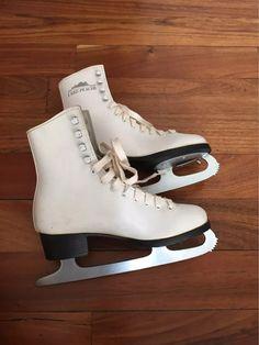 patines de hielo artístico 22cm o 4 lake placid Roller Skating, Ice Skating, Roller Skate Wheels, Skater Girl Outfits, Figure Skating Dresses, Bike Style, Mode Outfits, Skate Shoes, Timberland Boots