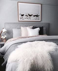 That moment when you were suppose to wake up at 5.45am and realize you looked at Insta and it's now 6.30 obviously this gorgeous bedroom caught my eye for way to long... Stunning N styling by @the_stables_ Check out our range of Mongolian sheepskins link in bio