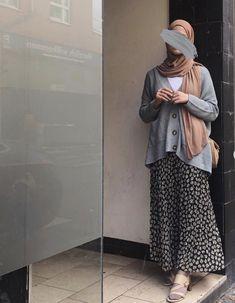 Modest Fashion Hijab, Modern Hijab Fashion, Street Hijab Fashion, Casual Hijab Outfit, Hijab Fashion Inspiration, Islamic Fashion, Muslim Fashion, Modest Outfits, Fashion Outfits