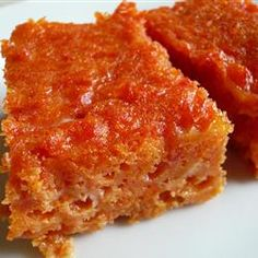 Now you can make your favorite carrot souffle at home! This recipe combines mashed carrots with butter, sugar, flour, vanilla extract and eggs. Good Food, Yummy Food, Tasty, Fun Food, Yummy Recipes, Vegetable Side Dishes, Vegetable Recipes, Casserole Dishes, Casserole Recipes