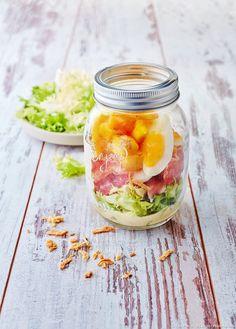 Salade au bacon en bocal - Découvrez comment réaliser facilement une recette de salade au bacon en bocal en suivant les étapes simples de notre préparation. Un délicieux plat qui plaira à tous!