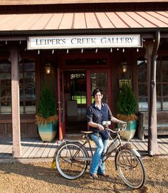 Meet Lisa Fox, owner of Leiper's Creek Gallery and one of the pioneers behind the revitalization of Leiper's Fork, Tennessee.