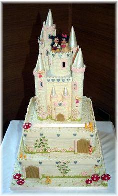 Fairytale Castle Wedding Cake Keywords: #castleweddingcakes #castlecakesforweddings #jevel #jevelweddingplanning Follow Us: www.jevelweddingplanning.com www.pinterest.com/jevelwedding/ www.facebook.com/jevelweddingplanning/ https://plus.google.com/u/0/105109573846210973606/ www.twitter.com/jevelwedding/