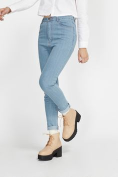 TWP High Waist Skinny Jean Blue http://www.thewhitepepper.com/collections/shoes/products/leather-round-toe-walker-boot-beige Leather Round Toe Walker Boot Beige http://www.thewhitepepper.com/collections/shoes/products/leather-round-toe-walker-boot-beige