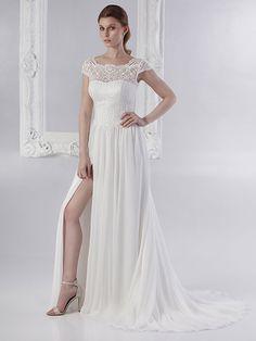 Brautkleid mit Spitzenapplikationen auf dem Oberteil, Beinausschnitt, fließendem Rock und raffinierter Rückenansicht. Rock, Wedding Dresses, Fashion, Gown Wedding, Bridal Gown, Curve Dresses, Bride Dresses, Moda, Bridal Gowns