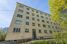 (6) TORSHOV - Strøken nyoppusset 2-roms toppleilighet | Stor, solrik balkong med fortryllende utsikt | Ingen innsyn| Rett ved Torshovparken | IN-ordning | V.vann og fyring inkl. | FINN.no