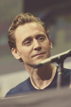 Tom Hiddleston. (Edit by jennphoenixltumblr: http://jennphoenix.tumblr.com/post/163676827267/devikafernando-hakimo2015-devikafernando )