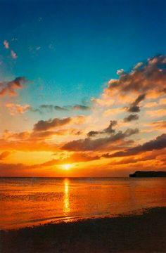 Increíble atardecer sobre el horizonte en Guam | Incredible sunset over the horizon in Guam - #playa #beach #verano #summer 🌅