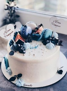 A delicious cake is the sweetest ending to a perfect wedding celebration. If you're looking for wedding cake inspiration, browsing through wedding cake pictures. Elegant Birthday Cakes, Pretty Wedding Cakes, Beautiful Birthday Cakes, Pretty Cakes, Cute Cakes, Beautiful Cakes, Yummy Cakes, Amazing Cakes, Elegant Cakes