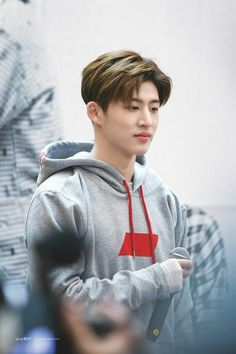 iKON GLOBAL (formerly BTOWIN) is the first international fanbase of YG's all-kill rookie group,.