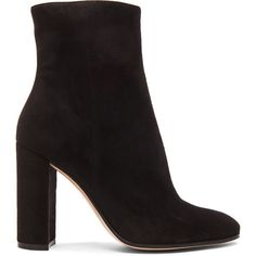 Gianvito Rossi Suede Booties (12.140 ARS) ❤ liked on Polyvore featuring shoes, boots, ankle booties, botas, ankle boots, heels, booties, suede bootie, suede booties and suede boots