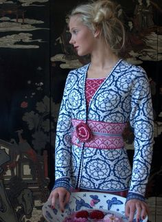 Oleana - beautiful Norwegian sweater company, Cardigan 155. I love the play with contrasting colors here.