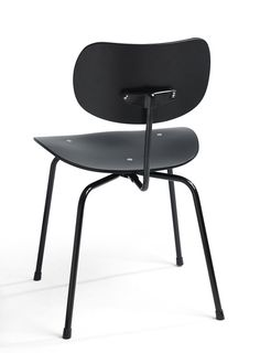 SE 68 dining chair designed by Egon Eiermann, 1951