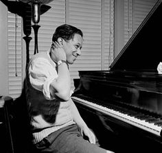 Horace Silver at RVG's home studio - photo by Francis Wolff Jazz Artists, Jazz Musicians, Blue Note Jazz, Horace Silver, Francis Wolff, Hard Bop, Musician Photography, Classic Jazz, Kind Of Blue