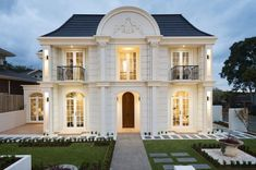 30 Stunning Villa Style Home Exterior Design Ideas - If you're considering buying real estate in Spain, here's some information about Spanish style homes that purchasers in the UK might find useful. French Architecture, Residential Architecture, French Provincial Home, French Villa, French Style House, Villa Plan, Spanish Style Homes, Villa Design, Display Homes