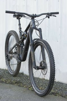 With more travel and slacker geometry than ever before, how does the latest version of the venerable Enduro 29 perform? Mtb Bike, Cycling Bikes, Cycling Art, Cycling Jerseys, Bike Trails, Cycling Equipment, Road Bike, Mtb Downhill, Mtb Cycles
