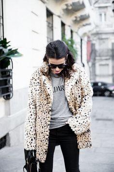 CHELSEA BOOTS BY COLLAGE VINTAGE | Fur leopard coat, rodarte t-shirt, black jeans, chelsea boots, phillip lim bag