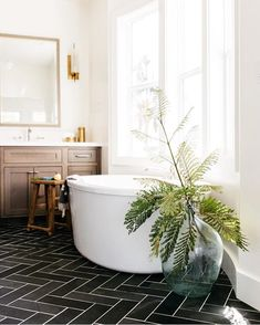 Preeeeetty sure Id be spending at least an hour here this weekend if this were my home. Thanks for the serious #bathgoals in the #ckstyleaccordingly feed @greigedesignshop! . Anyone else get up to some spring cleaning and redecorating this weekend? Cant wait to show you some final touches we put on our living room!