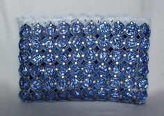 Pochettes : Pochette-classe Pop Tabs, Throw Pillows, Diy, Ideas, Espresso Coffee, Manualidades, Totes, Blue Clutch, Couture Sac