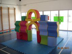 El racó de Mónica: PSICOMOTRICITAT AUCOUTURIER Activities For Kids, Kindergarten, Children, Bed, Furniture, Home Decor, Action, Gross Motor, Fun Games