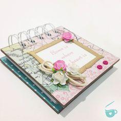 Quer aprender a fazer um bloquinho lindo com capa dura e estampa de mapa?Confira tudo neste post!
