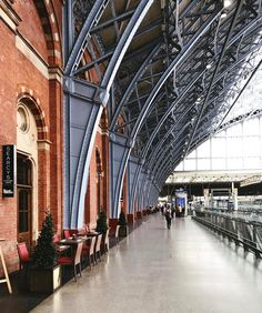 I'm a huge fan of the Victorian engineering marvel that is St Pancras station