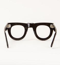 Androgynous Fashion, Tomboy Fashion, Tomboy Style, General Eyewear, Black Round Sunglasses, Weekend Style, Optician, Comfortable Fashion, Daily Fashion