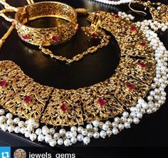 ُ India Jewelry, Gems Jewelry, Jewelery, Bridal Jewelry Sets, Wedding Jewelry, Pakistani Bridal Jewelry, Necklace Designs, Couture, Jewelry Collection