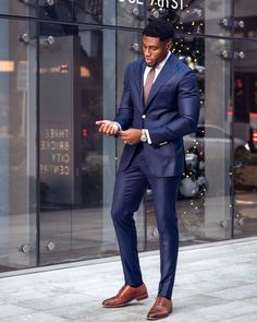 Dress Suits For Men, Men Dress, Business Casual Black Men, Business Suits Men, Blue Suit Men, Black Men In Suits, Classy Suits, Stylish Mens Outfits, African Men Fashion