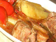 Gulas cu carne de porc