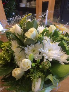 Beautiful seasonal hand tied gift bouquets by Willow House Flowers Aylesbury florist - www.willowhouseflowers.co.uk