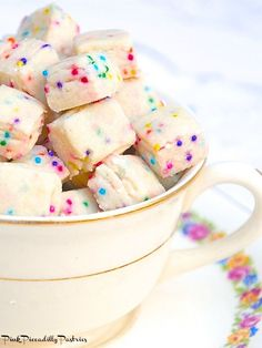 Hope your week is going well! If not, I have something to cheer you   up! Fairy Bites!! Just looking at these cute little cookie bite...