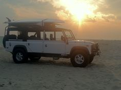 A restored Defender 110 would be great, but not on the pocketbook! Aaagghh this car should be called a Hummer recovery vehicle! Only about 90 in the US if that. Land Rover Series 3, Land Rover Defender 110, Land Rover For Sale, Range Rover Off Road, Off Road Adventure, Dream Garage, East Coast, Wonders Of The World, Recreational Vehicles