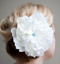 Gorgeous Flower Hair Piece
