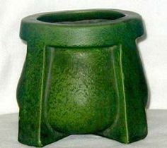 """Wheatley Pottery - matte dark green glaze with feathering - buttressed feet - no.663 - 7"""" - WP"""