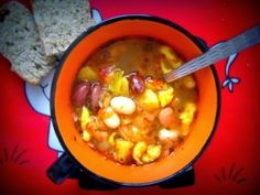Fazuľový prívarok - NajRecept.sk Cheeseburger Chowder, Fondue, Ale, Soup, Ethnic Recipes, Basket, Red Peppers, Ale Beer, Soups