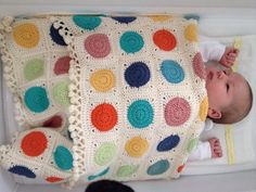 Crochet spotty baby blanket with little tassel border. Crochet Afghans, Crochet Squares, Baby Blanket Crochet, Crochet Motif, Knit Crochet, Granny Squares, Knitting Patterns, Crochet Patterns, Manta Crochet