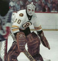 Gerry Cheevers started decorating his goalie mask with stitches each time a puck hit him in the face. Each one of those would be real stitches without it. Ice Hockey Players, Ice Hockey Teams, Hockey Goalie, Hockey Stuff, Nhl, Boston Bruins Goalies, Goalie Mask, Hockey Cards, Sports Memes