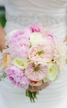 Wedding bouquet idea; Featured Photographer: Greenhouse Loft Photography