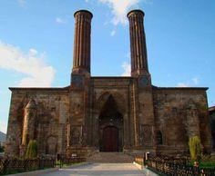 Çifte Minareli Medrese Nerede